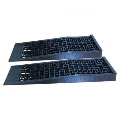 Servisní nájezdové rampy (do 3 t)